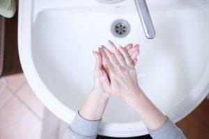 מתקן לניגוב ידיים