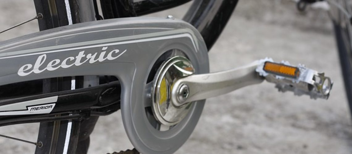 קורקינט או אופניים חשמליות